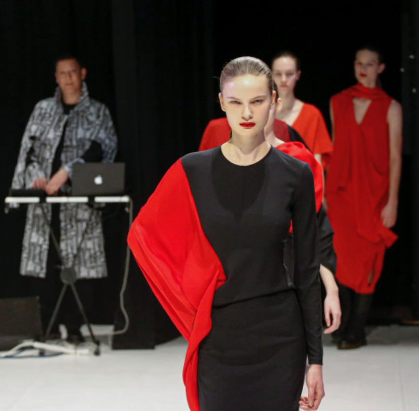 Mark Moore S-Express playing keyboard at Hussein Chalayan fashion show with models